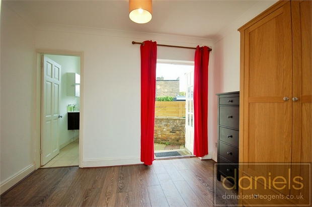 Flats And Apartments To Rent In London L2L4586-371