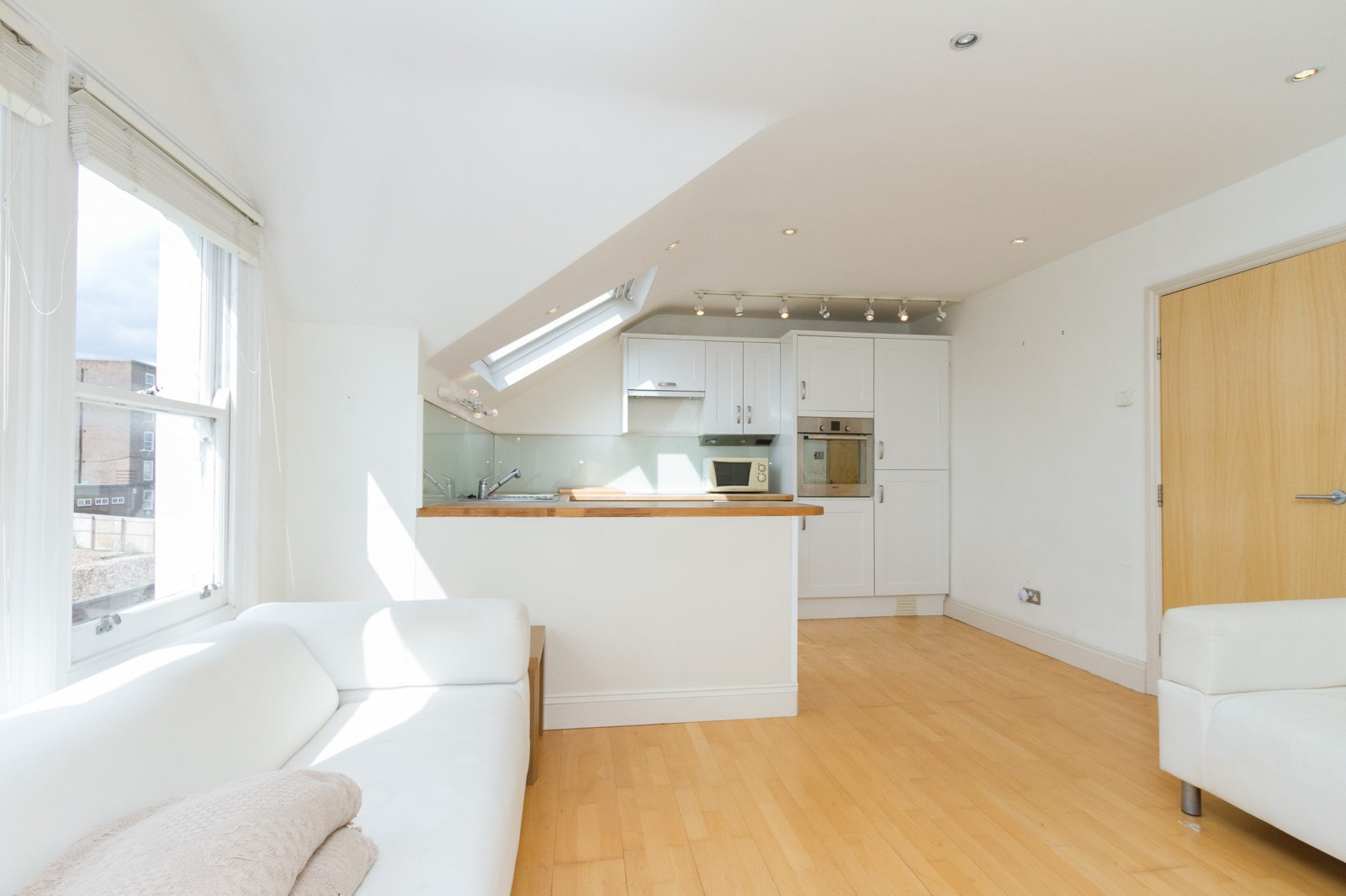 Property To Rent In London L2L4835-1124
