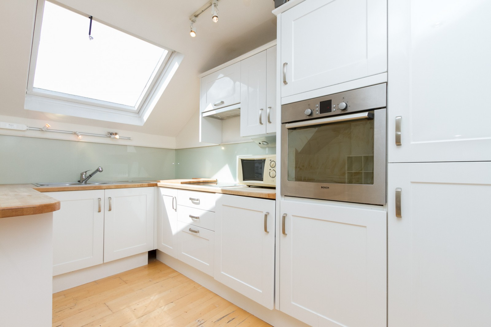 Flats And Apartments To Rent In Clapham L2L4835-1124