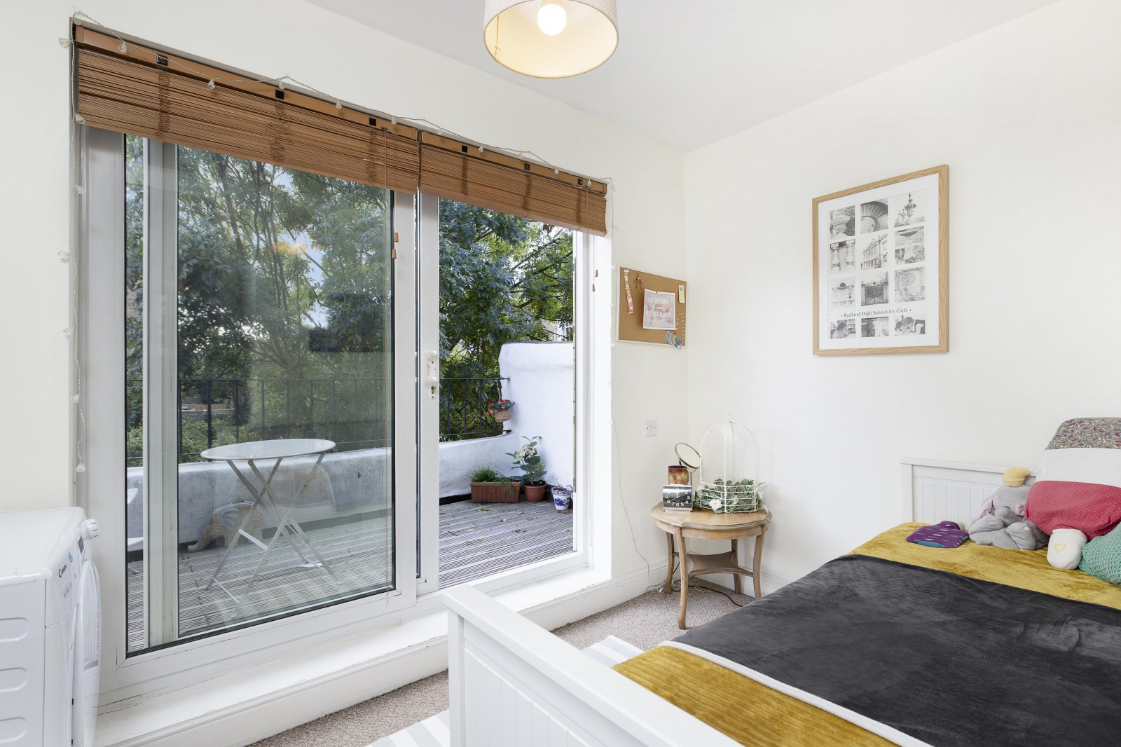 Property To Rent In London L2L4835-1031