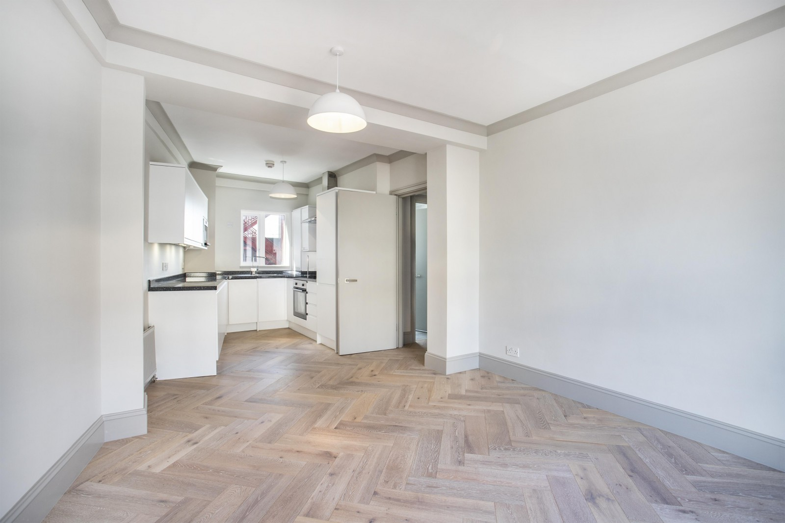 Flats And Apartments To Rent In London L2L4835-1335