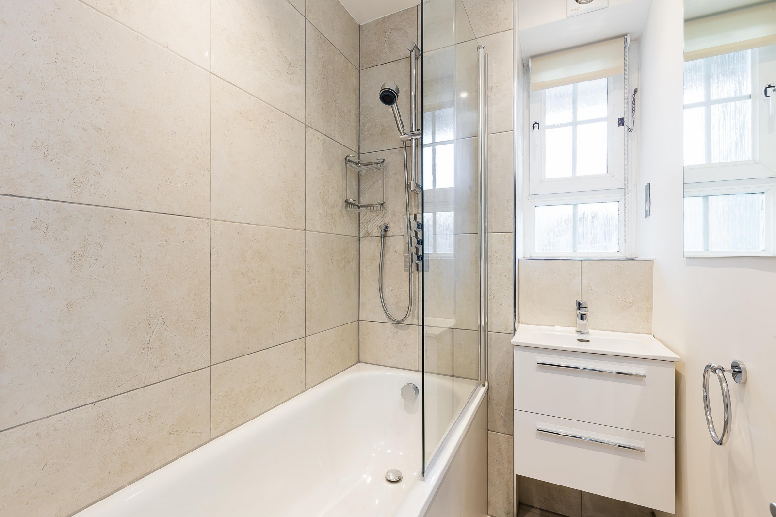 Flats And Apartments To Rent In London L2L4835-1096