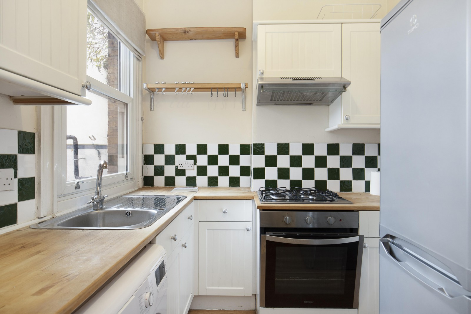 Flats And Apartments To Rent In London L2L4835-1069