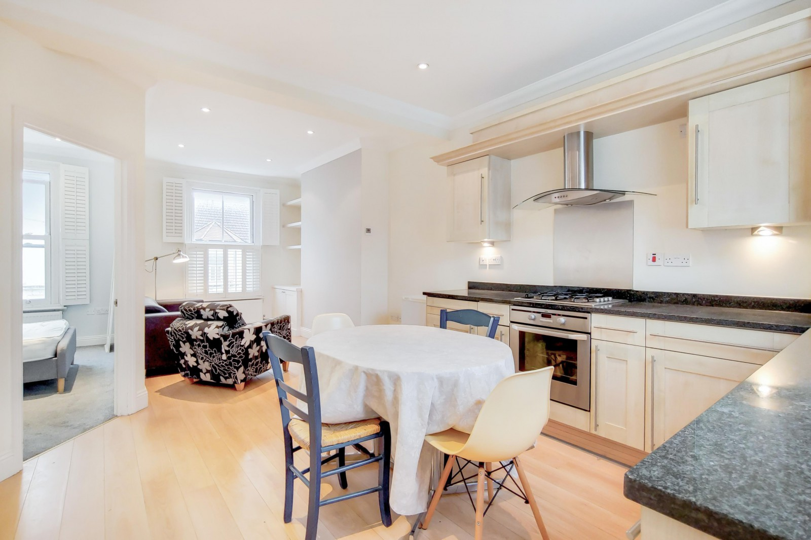 Flats And Apartments To Rent In Clapham L2L4835-1085