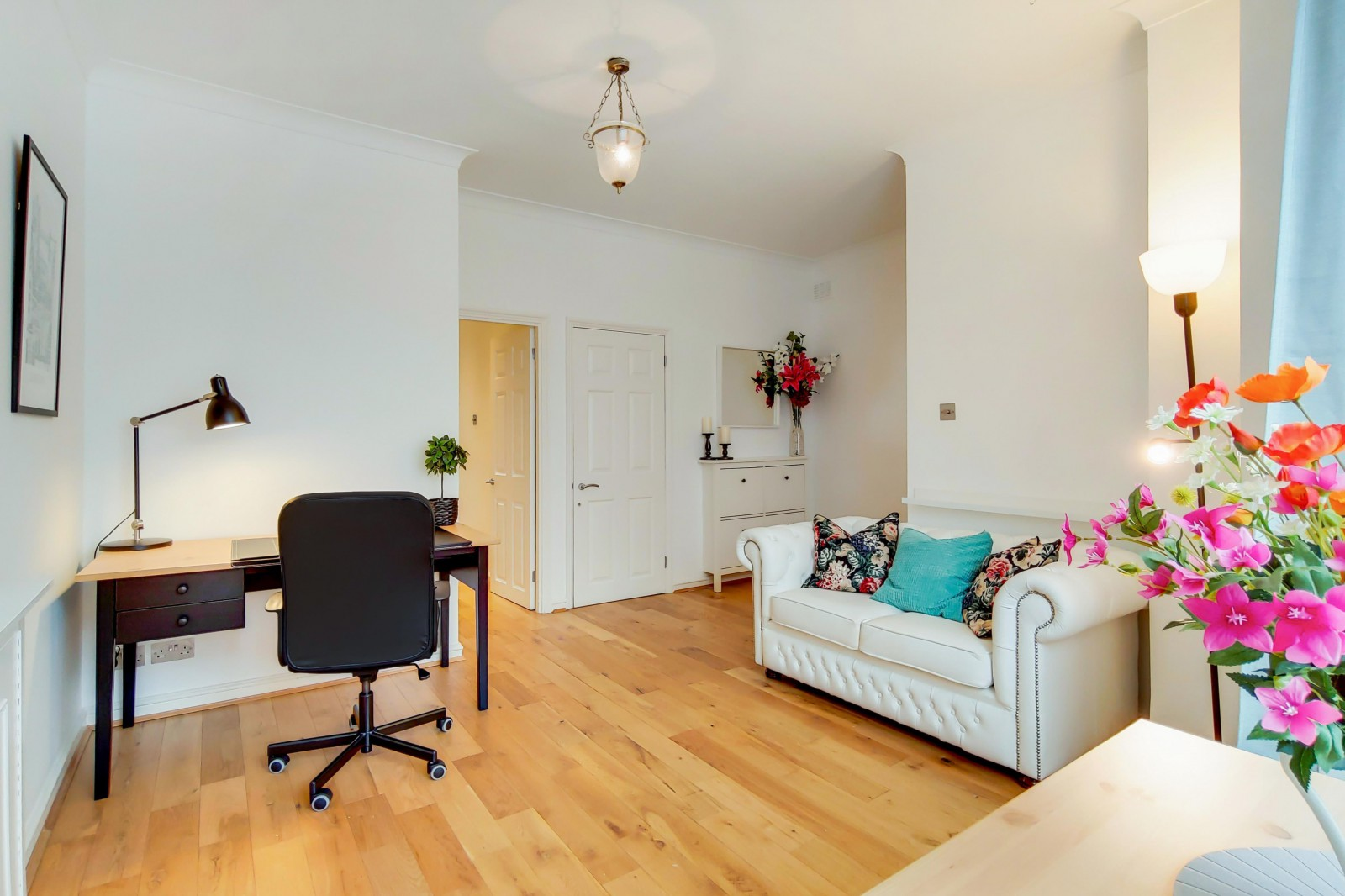 Property To Rent In London L2L4835-2054