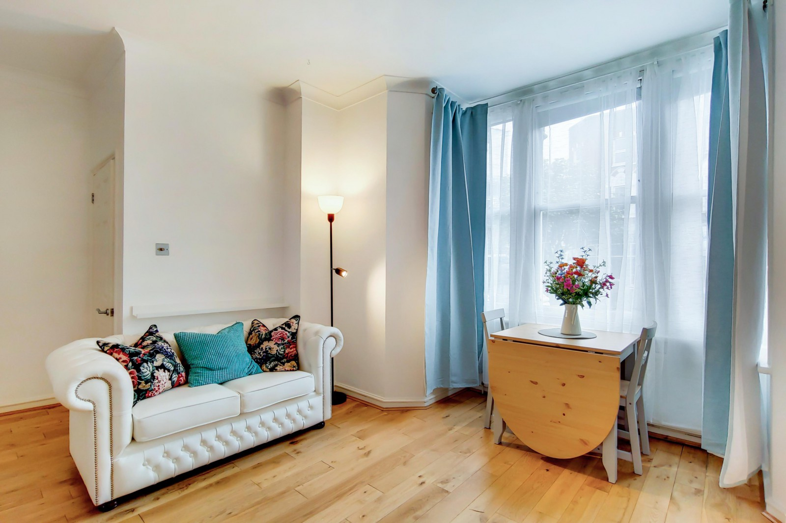 Flats And Apartments To Rent In London L2L4835-2054