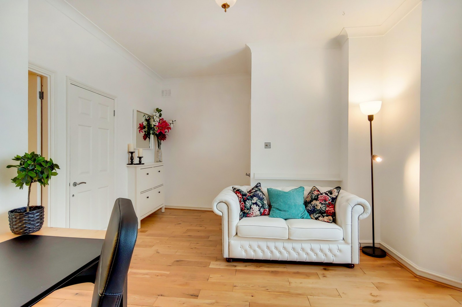 Flats And Apartments To Rent In Clapham L2L4835-2054