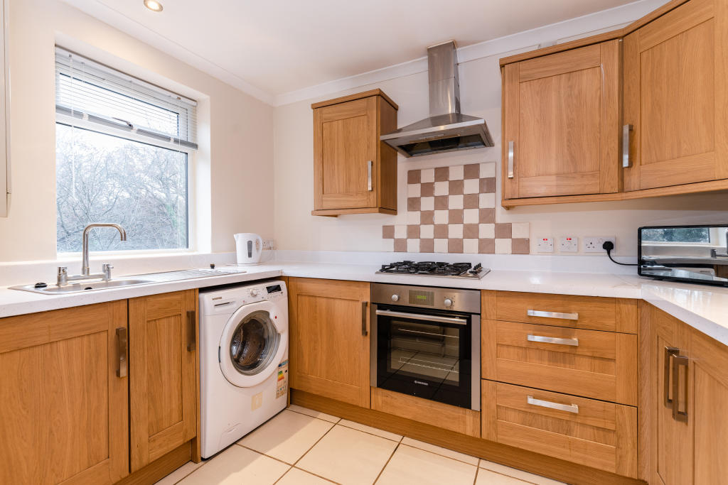 Property To Rent In London L2L4886-100