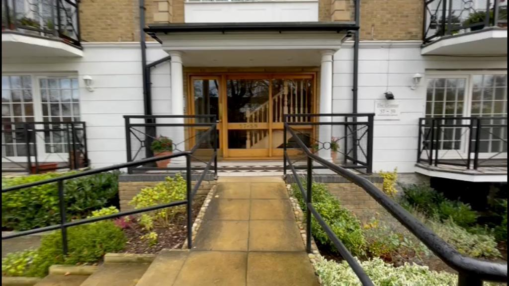 Flats And Apartments To Rent In London L2L4886-599