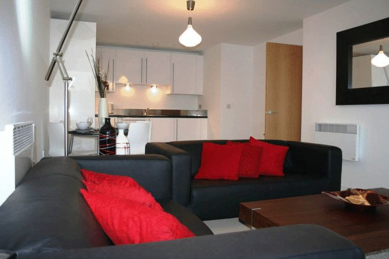 Property & Flats to rent with Ranson (London) L2L4917-626