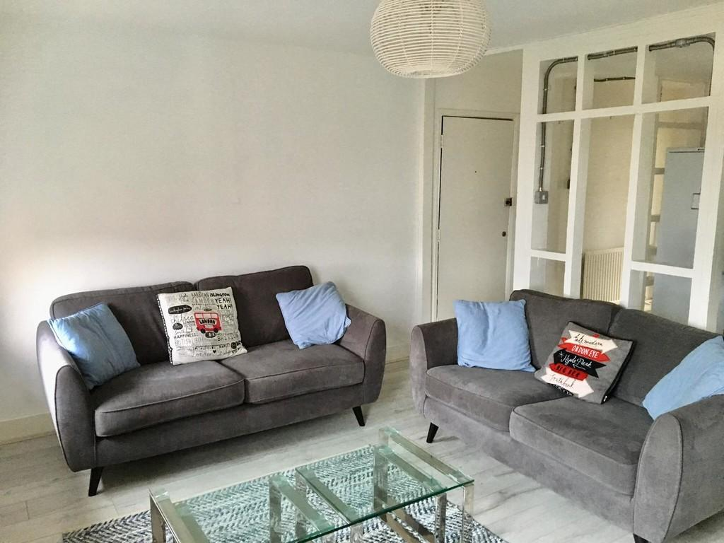 Flats And Apartments To Rent In London L2L5045-2572