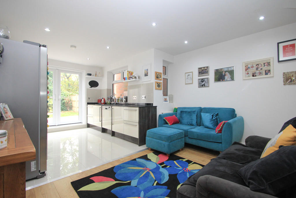 House To Rent In London L2L5045-100