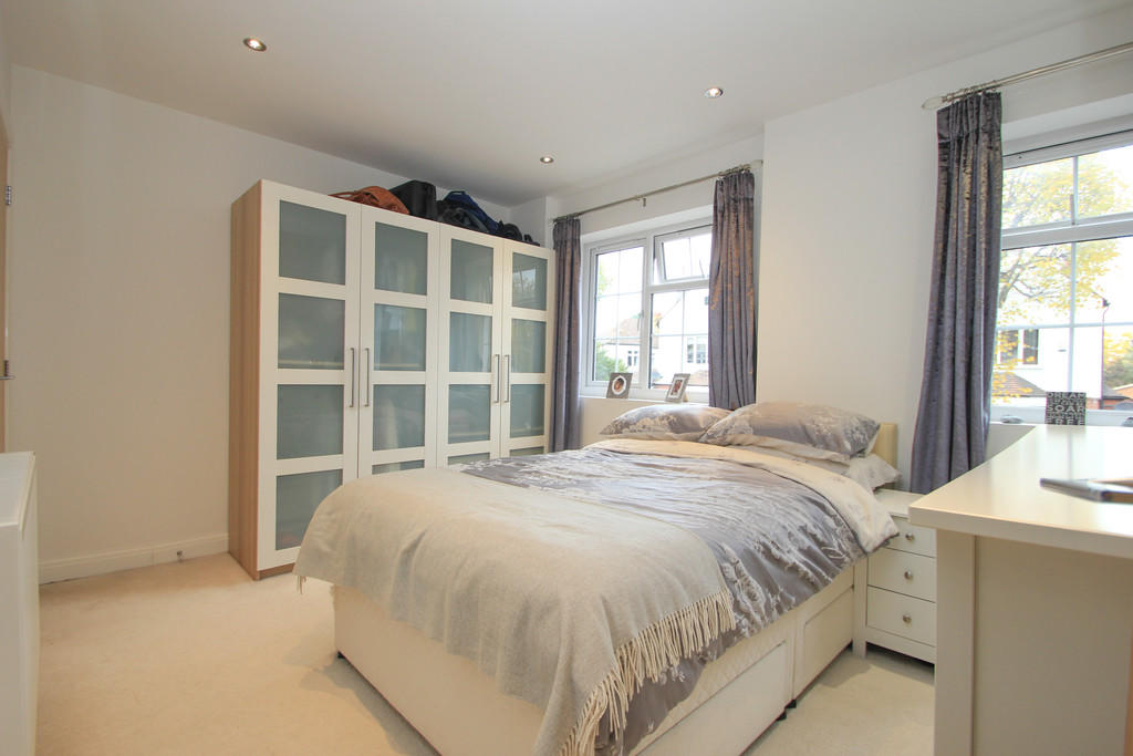 House To Rent In Surbiton Hill L2L5045-100