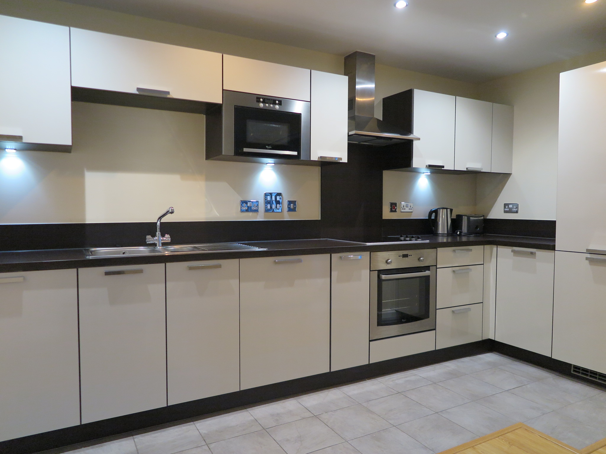 Flats And Apartments To Rent In London L2L5206-1761
