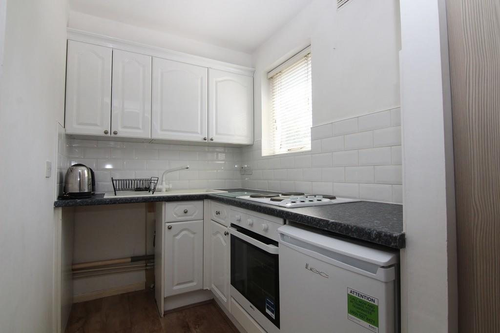 House To Rent In London L2L5278-470