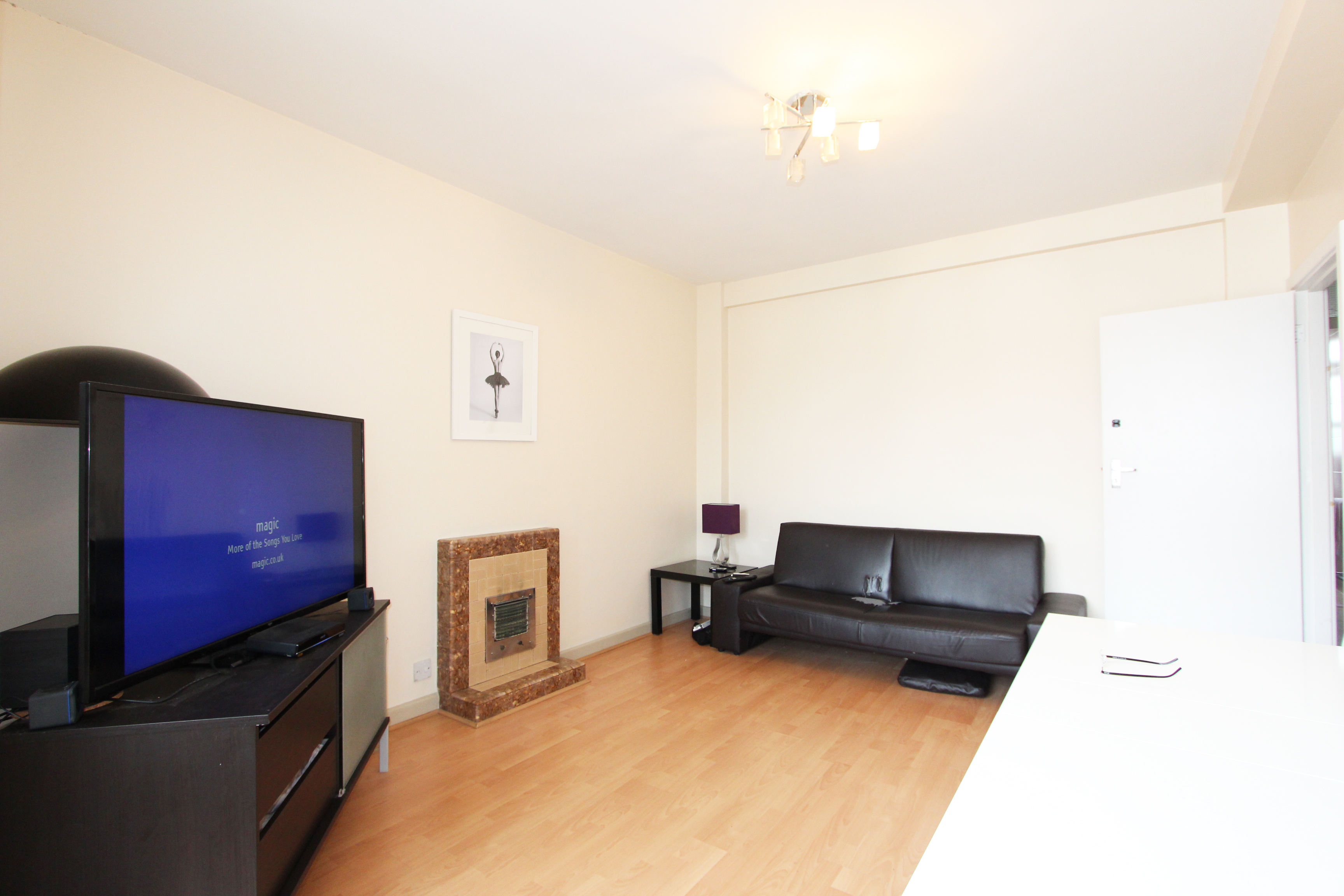 Flats And Apartments To Rent In Holland Park L2L5418-589
