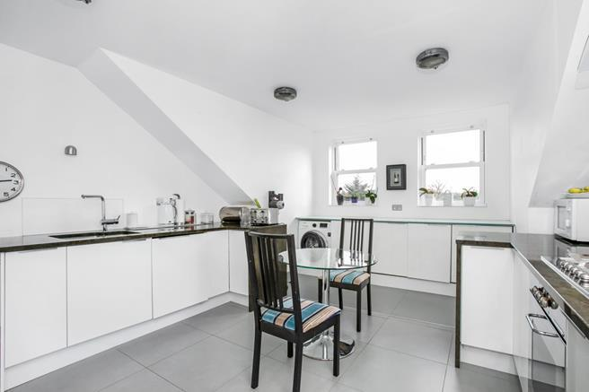 Property To Rent In London L2L5523-377