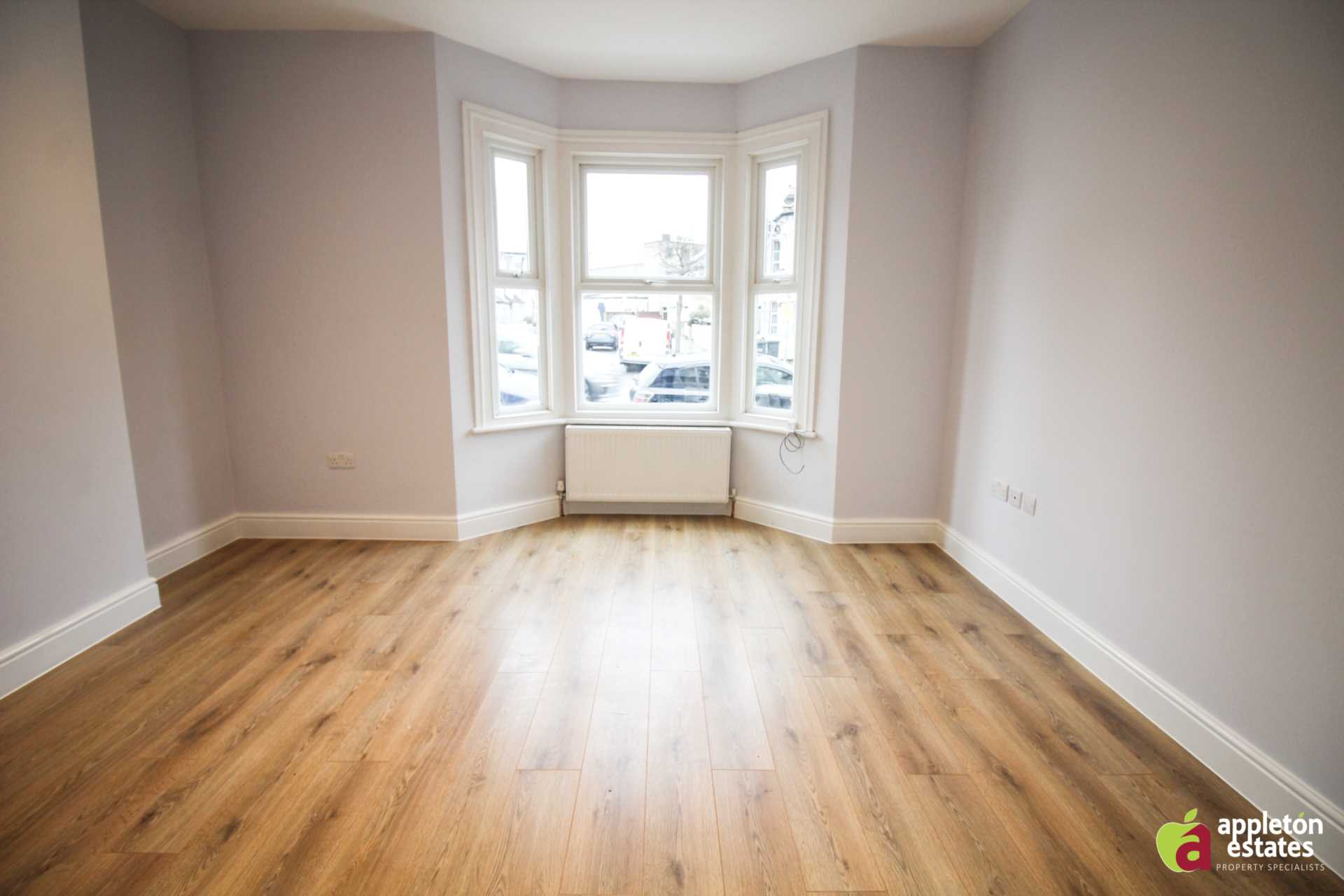 Property To Rent In London L2L5590-1022