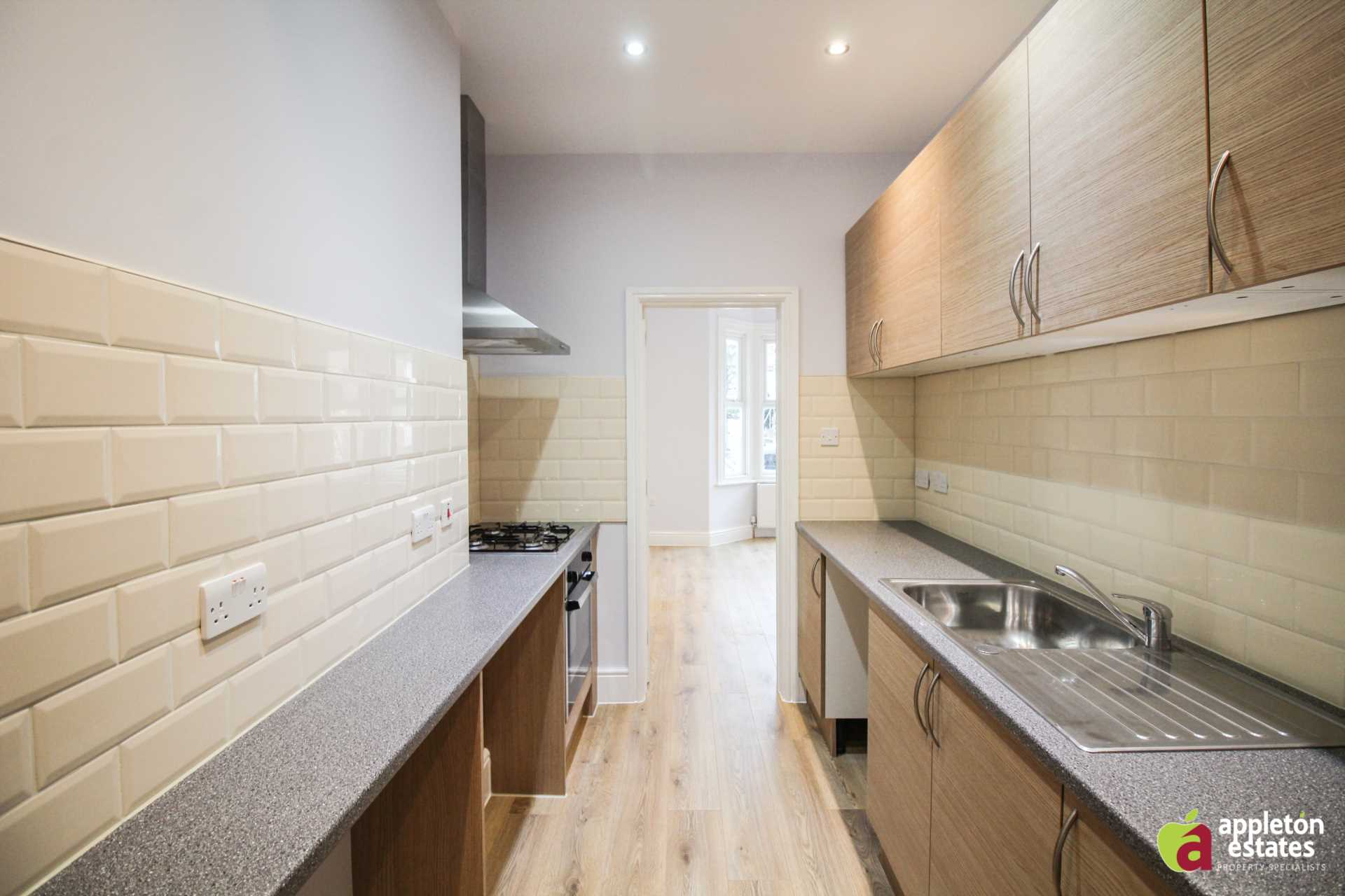 Flats And Apartments To Rent In London L2L5590-1022