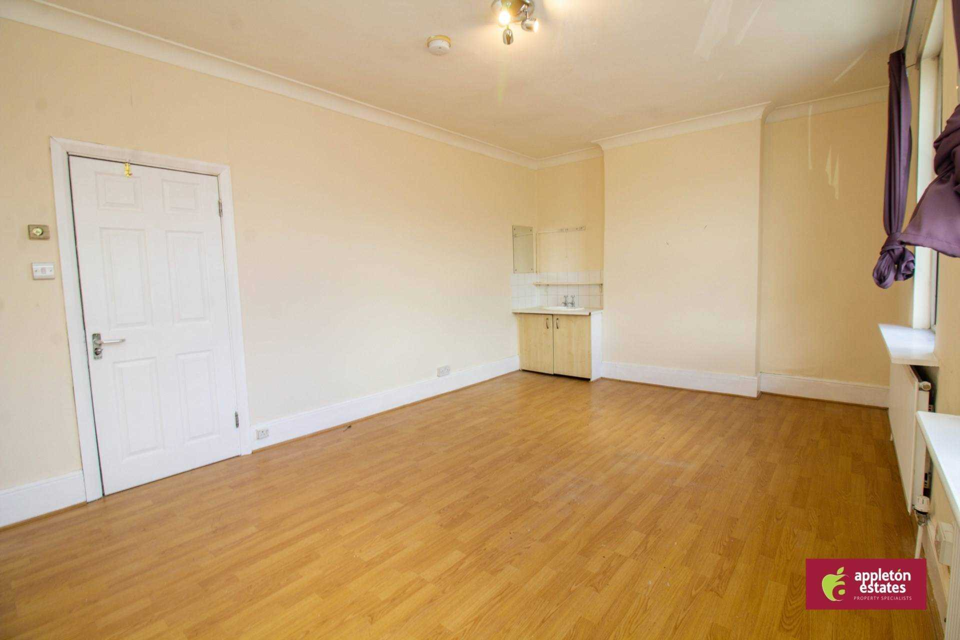 Flatshare To Rent In London L2L5590-982