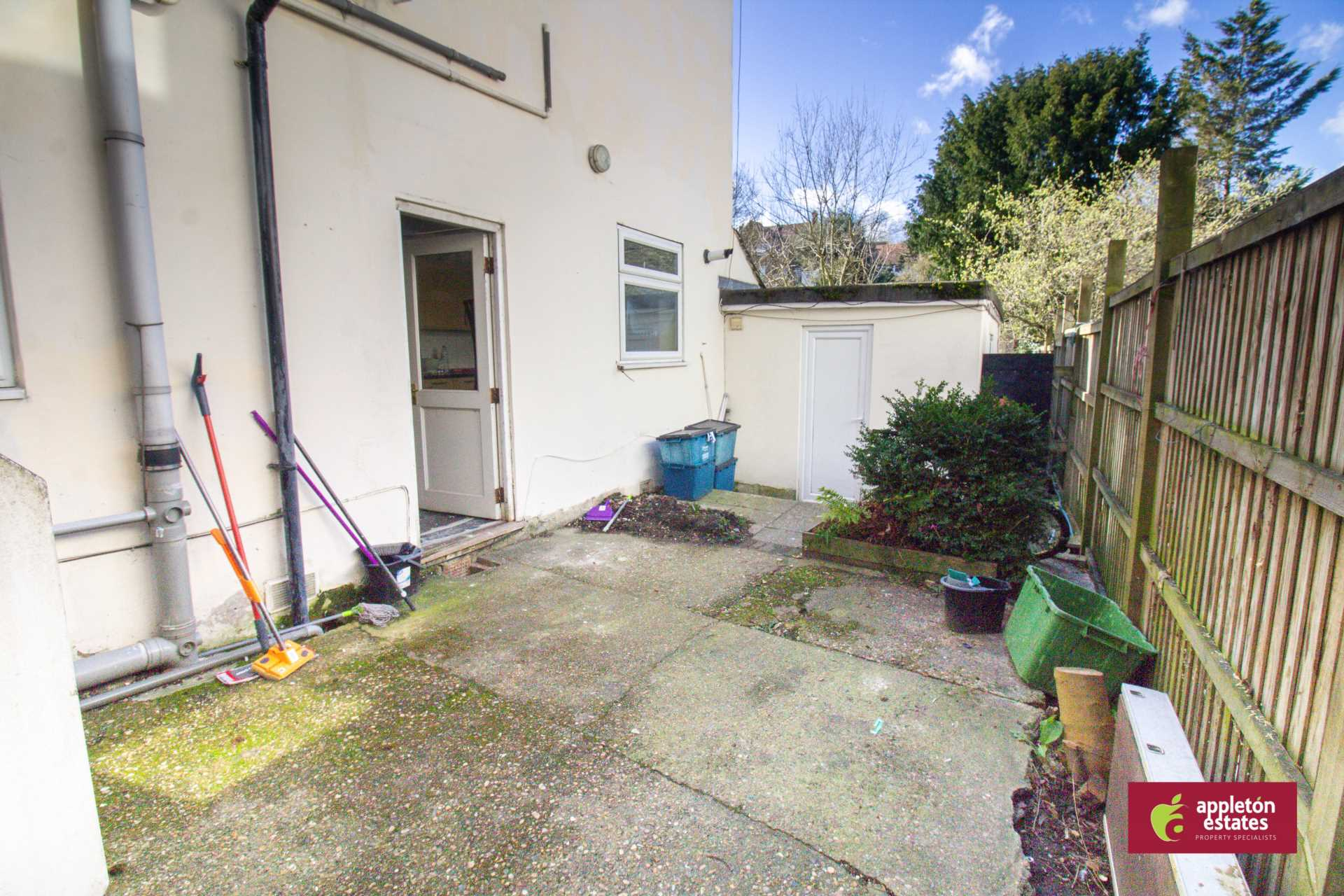 Rent In Selsdon Parade L2L5590-983