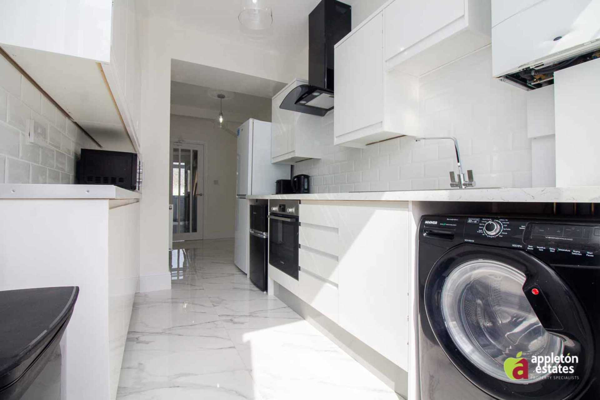 Property To Rent In London L2L5590-100