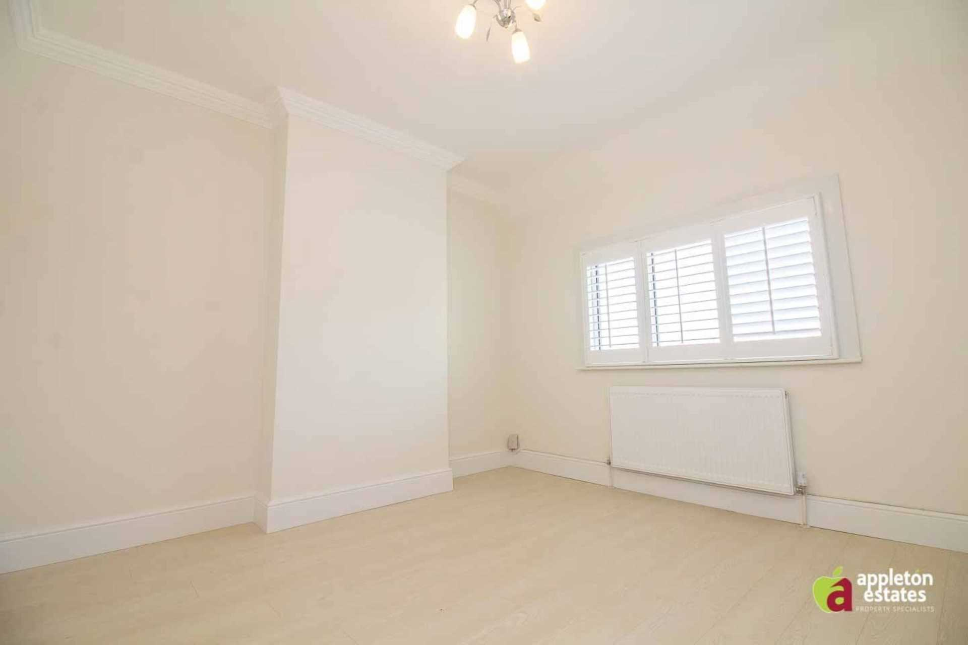 Property To Rent In London L2L5590-997