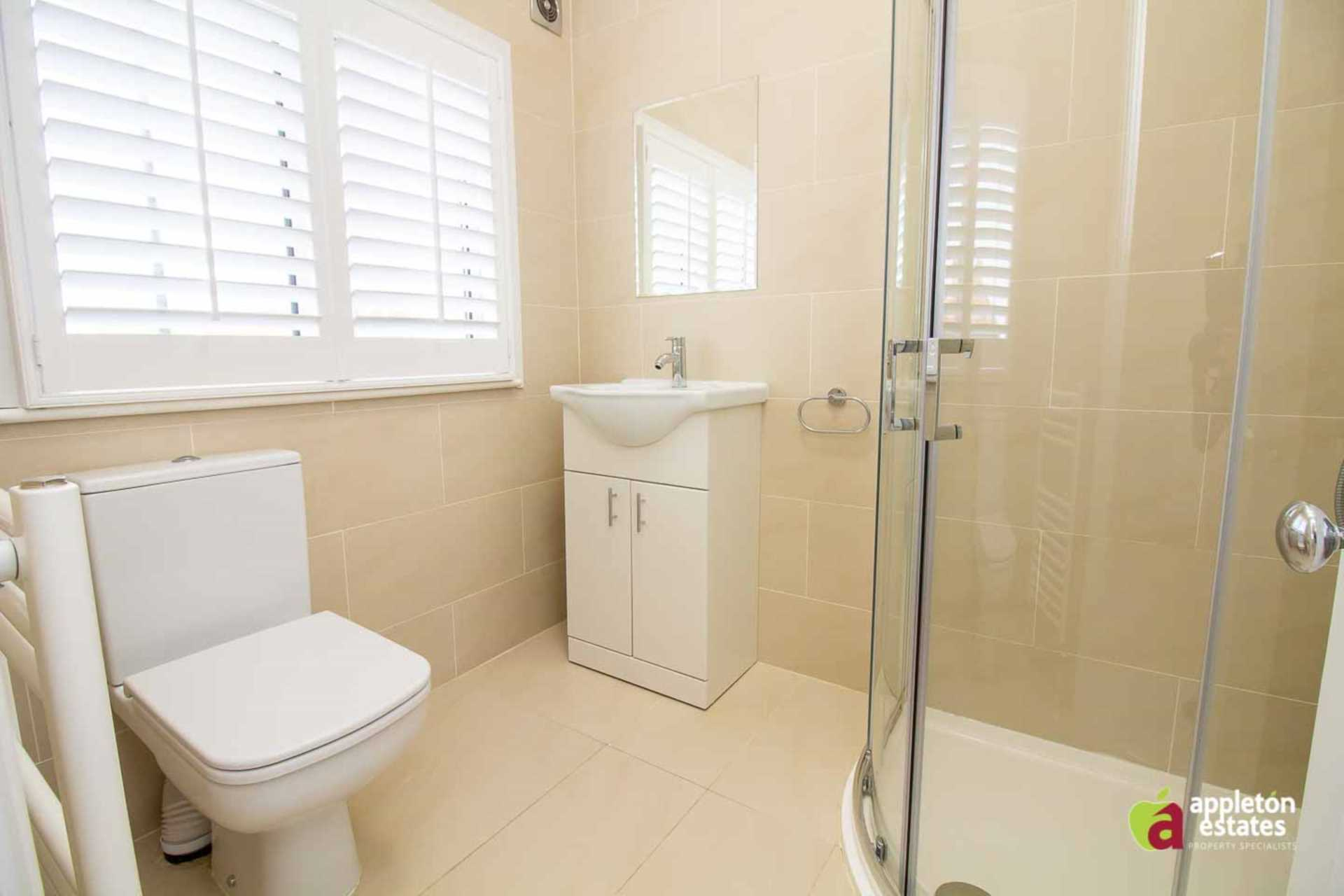 Flatshare To Rent In London L2L5590-997