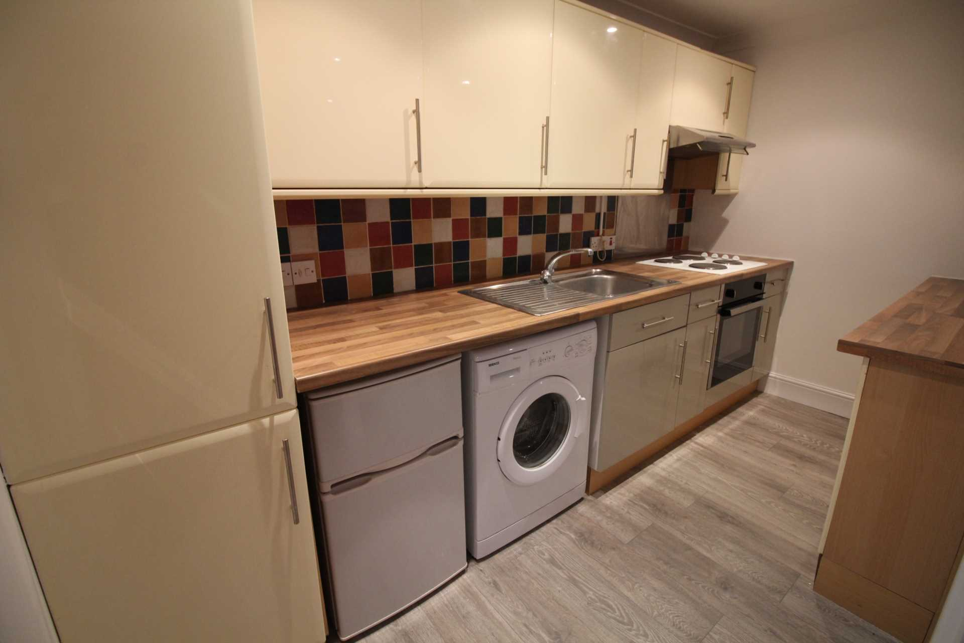 Student To Rent In London L2L5590-1034