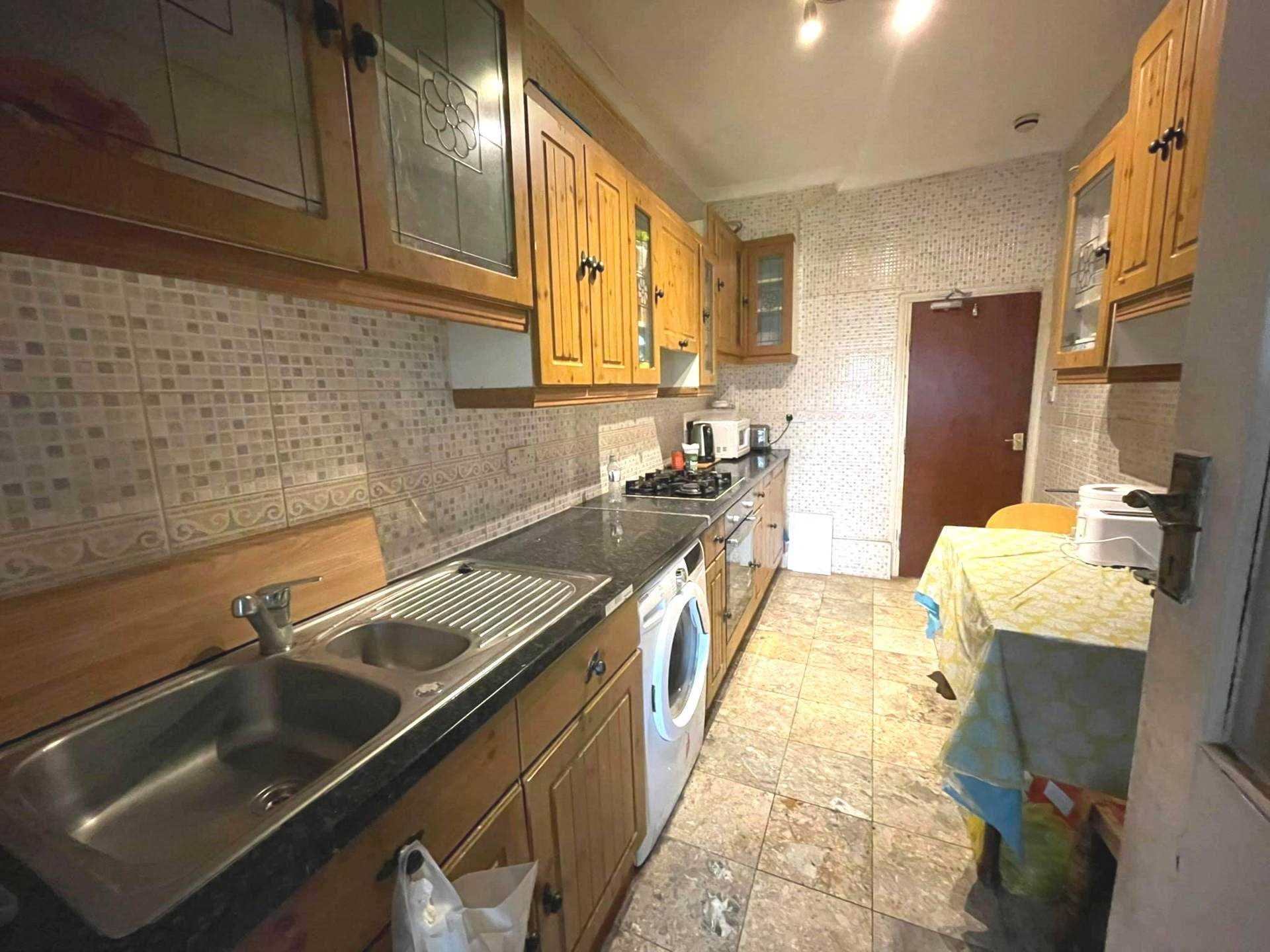 Student To Rent In Addiscombe L2L5590-1690
