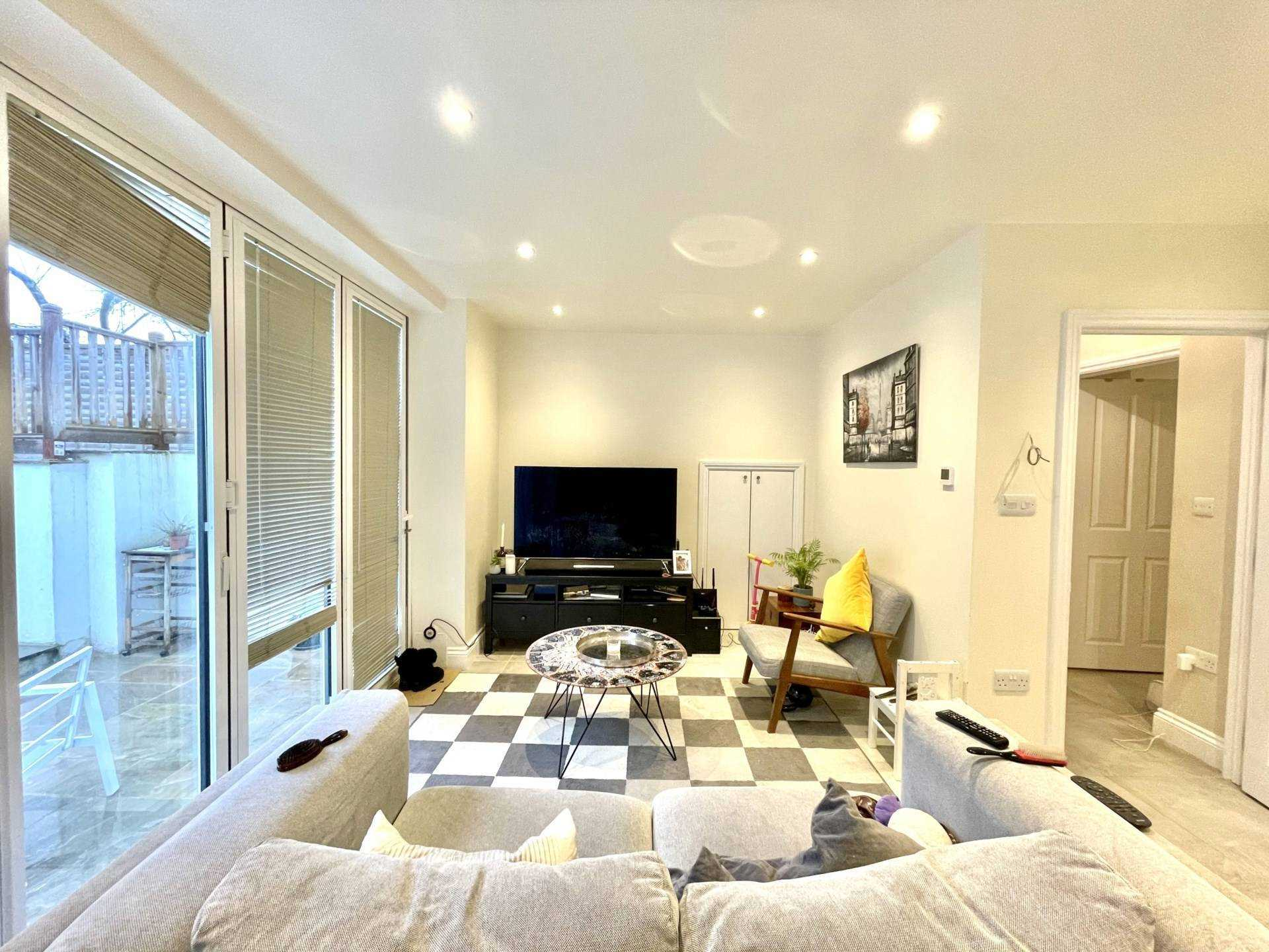 Flats And Apartments To Rent In London L2L5590-100