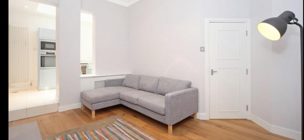 Property To Rent In London L2L5615-640