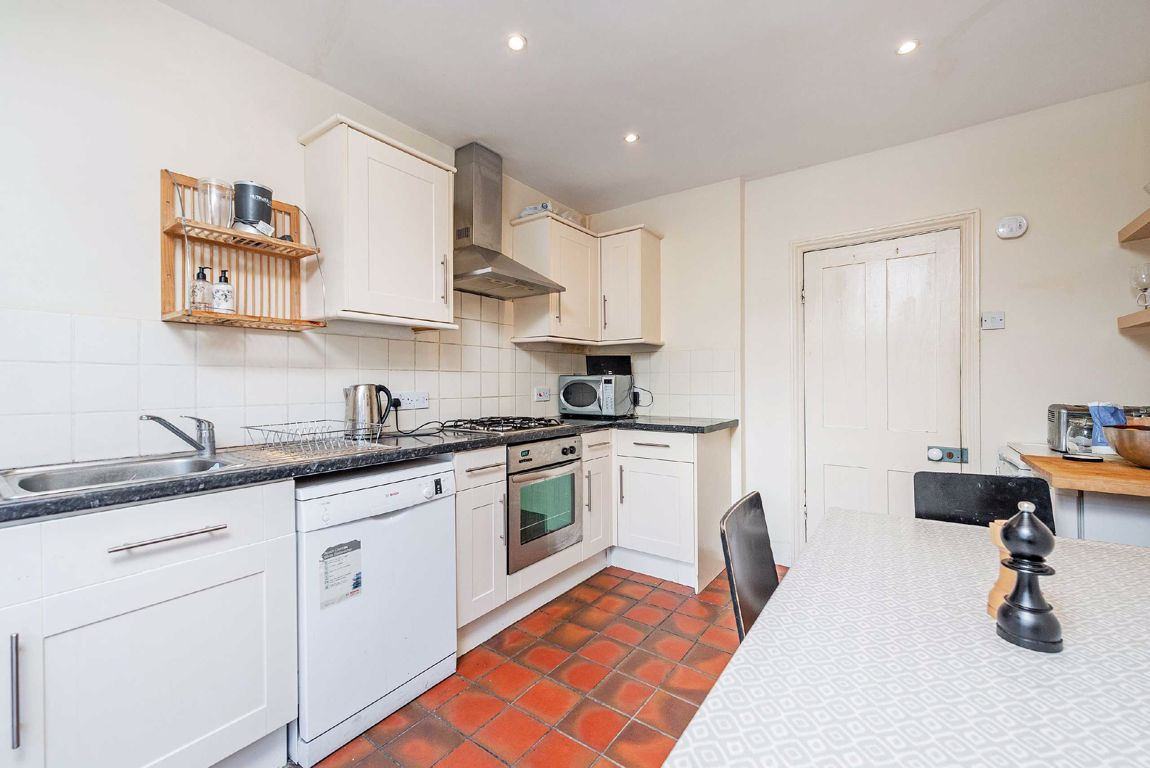 House To Rent In Walham Green L2L5693-674