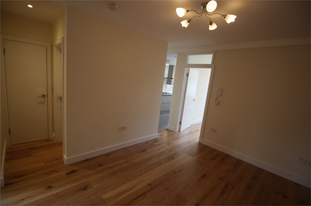 Property To Rent In London L2L570-909