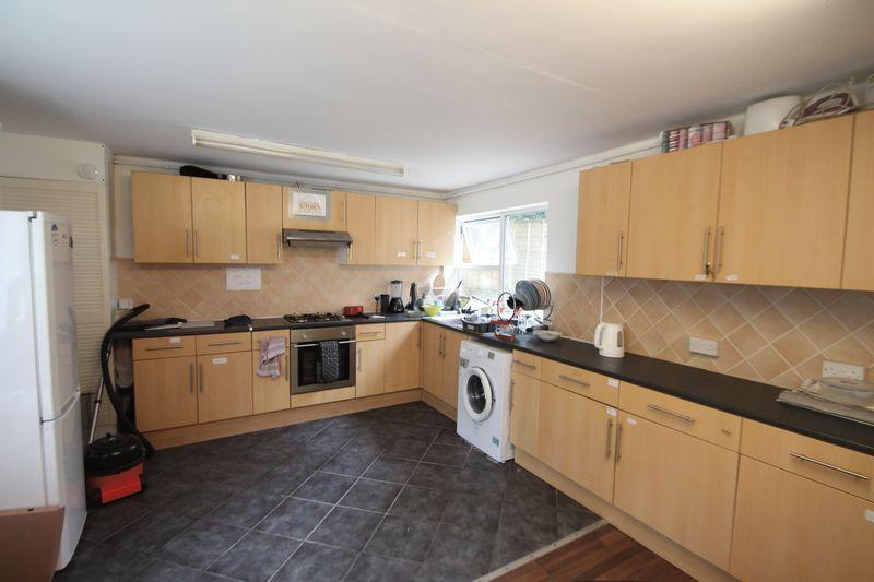 Parking And Other To Rent In Uxbridge South L2L5701-1279