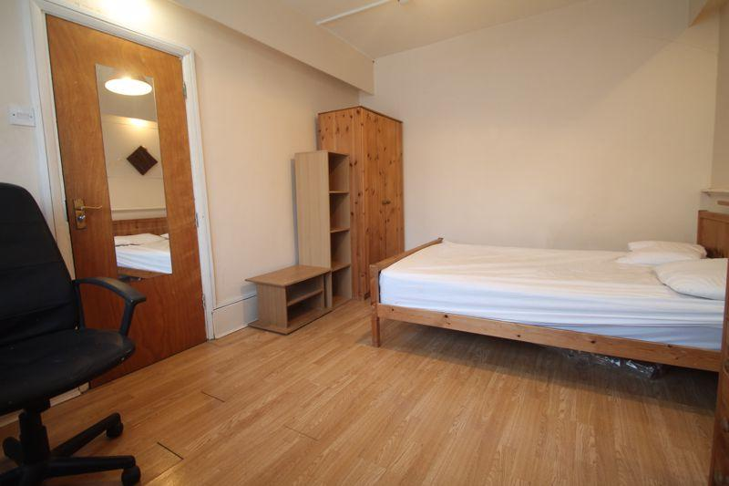 Flatshare To Rent In London L2L5701-100