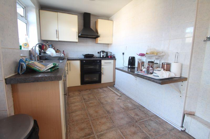 Flatshare To Rent In Botwell L2L5701-639