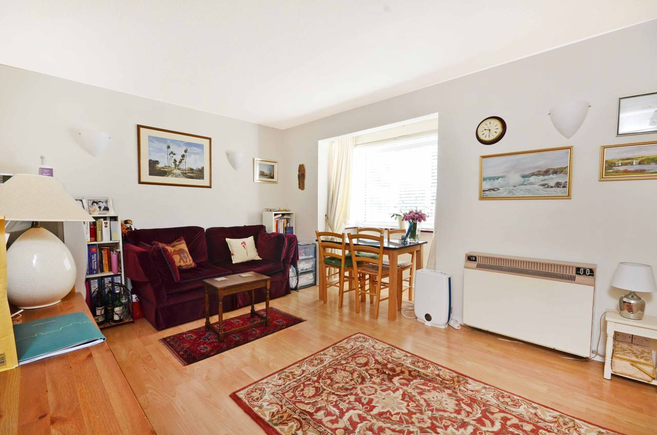 Property To Rent In London L2L5738-1281