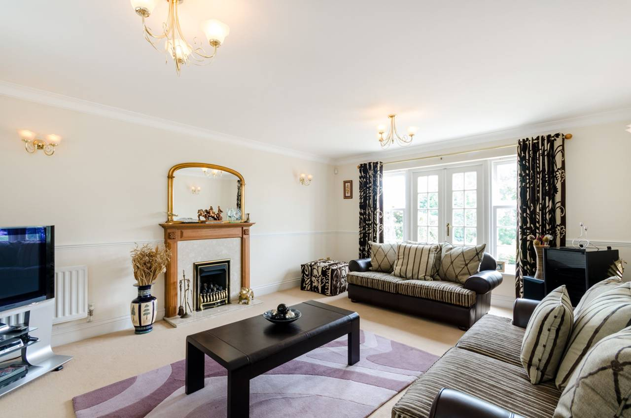 Property To Rent In London L2L5739-1314