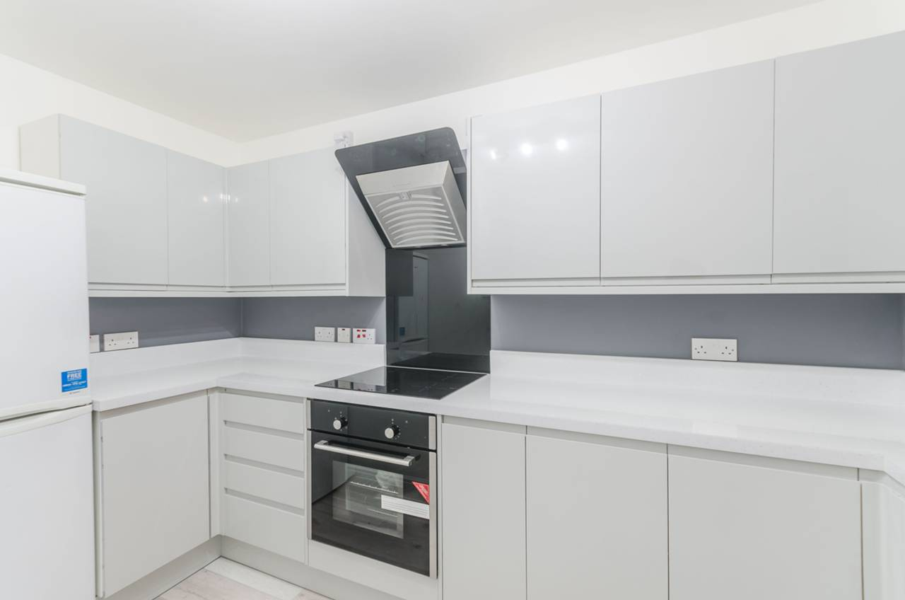 Property To Rent In London L2L5739-1296