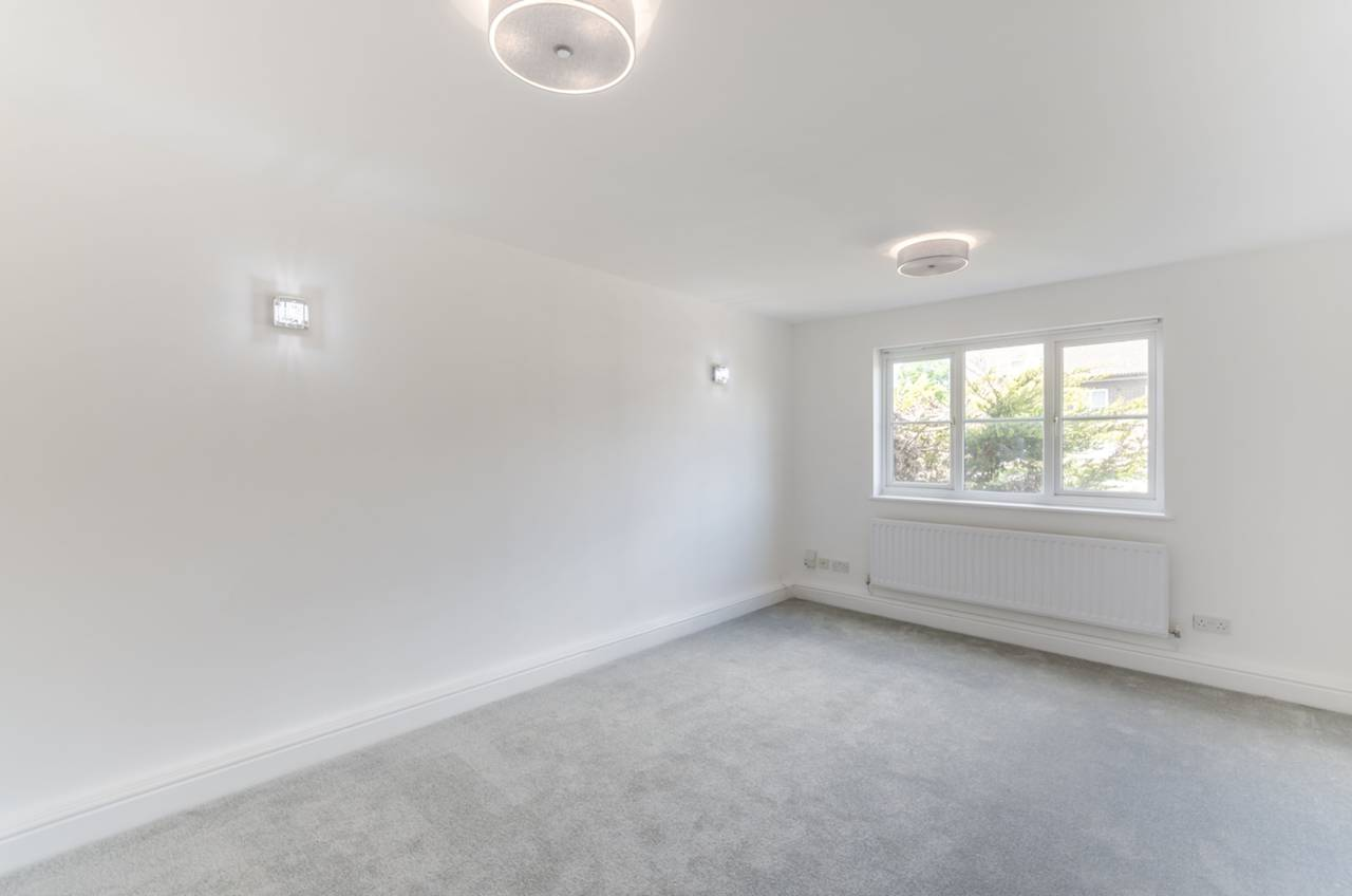 Flats And Apartments To Rent In London L2L5739-1296
