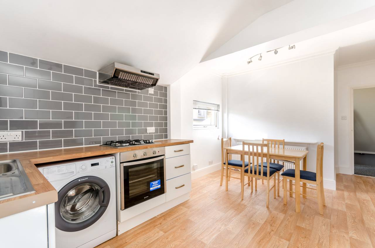 Flats And Apartments To Rent In London L2L5739-1313