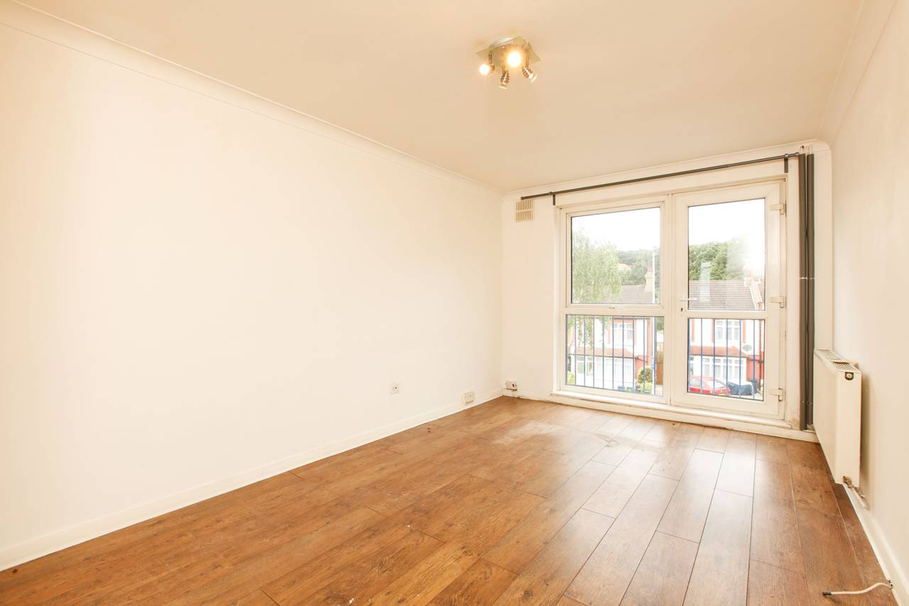 Property & Flats to rent with Foxtons Crystal Palace L2L5739-877