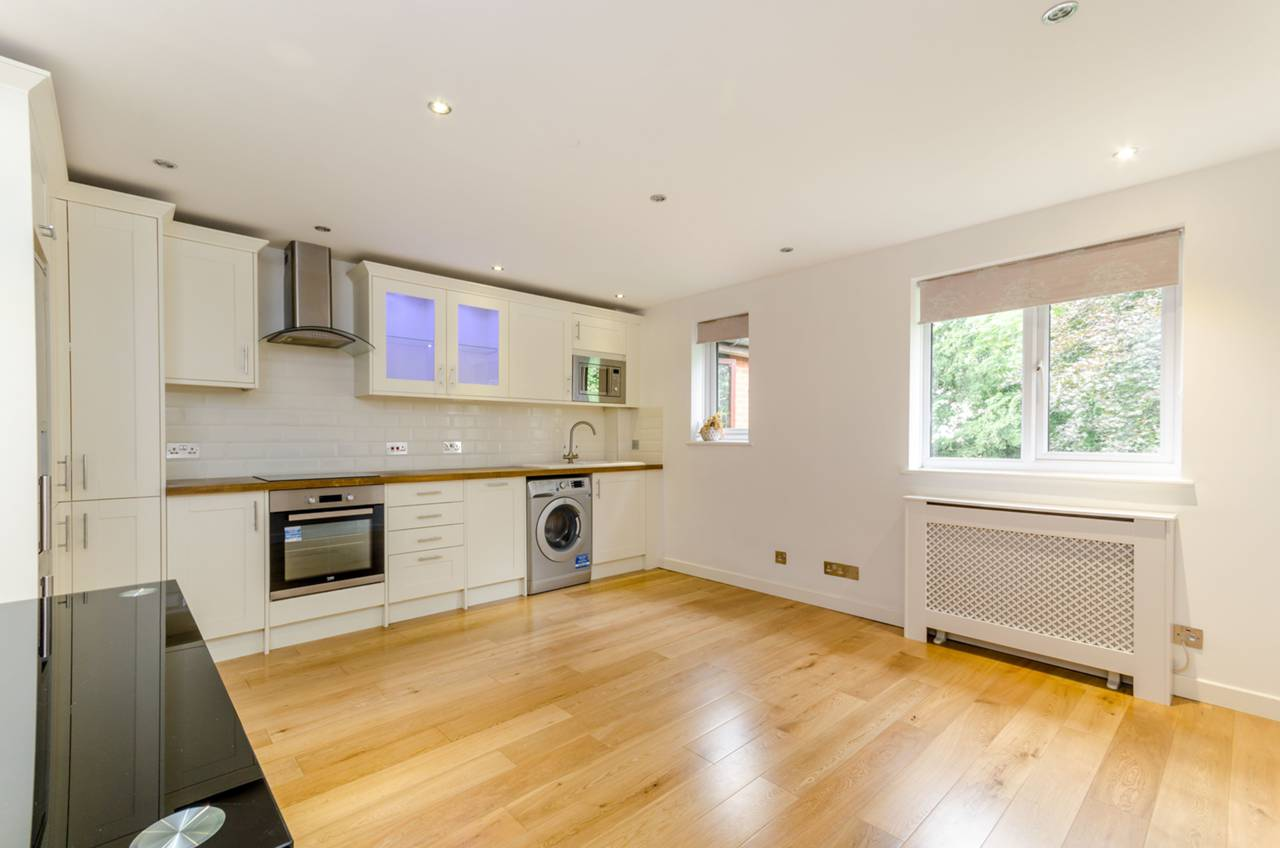 Property & Flats to rent with Foxtons Crystal Palace L2L5739-977