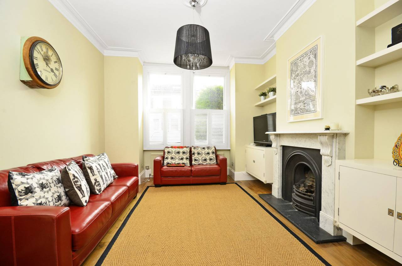 Property & Flats to rent with Foxtons Crystal Palace L2L5739-1025