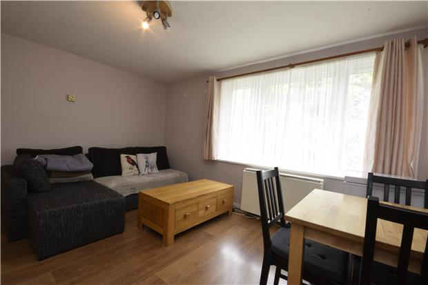 Flats And Apartments To Rent In London L2L5768-714
