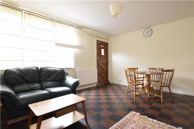 Parking And Other To Rent In London L2L5770-555