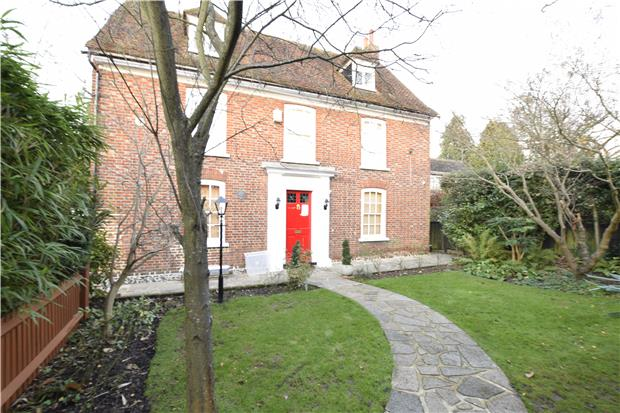 House To Rent In London L2L5771-563
