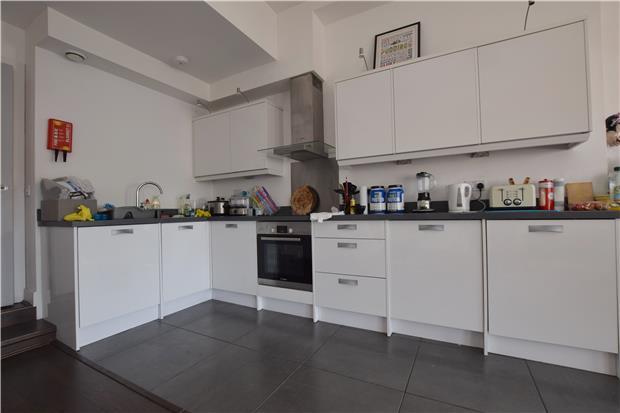 Property To Rent In London L2L5786-899