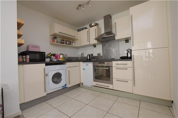 Flats And Apartments To Rent In London L2L5786-903